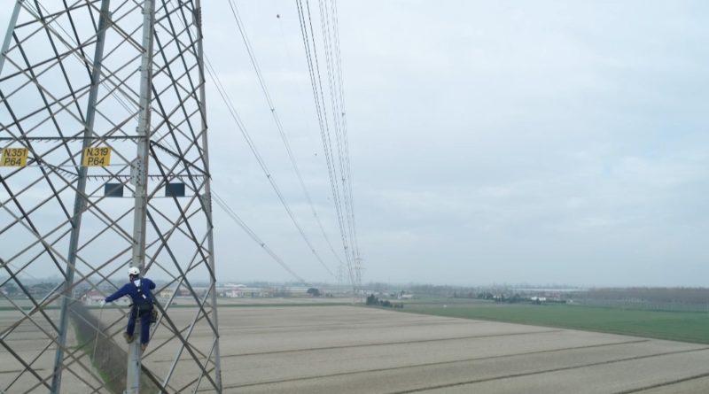 Nel novarese al via la demolizione di linee aeree della rete elettrica
